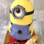 3D Despicable Me Free Standing Minion Novelty Cake £180