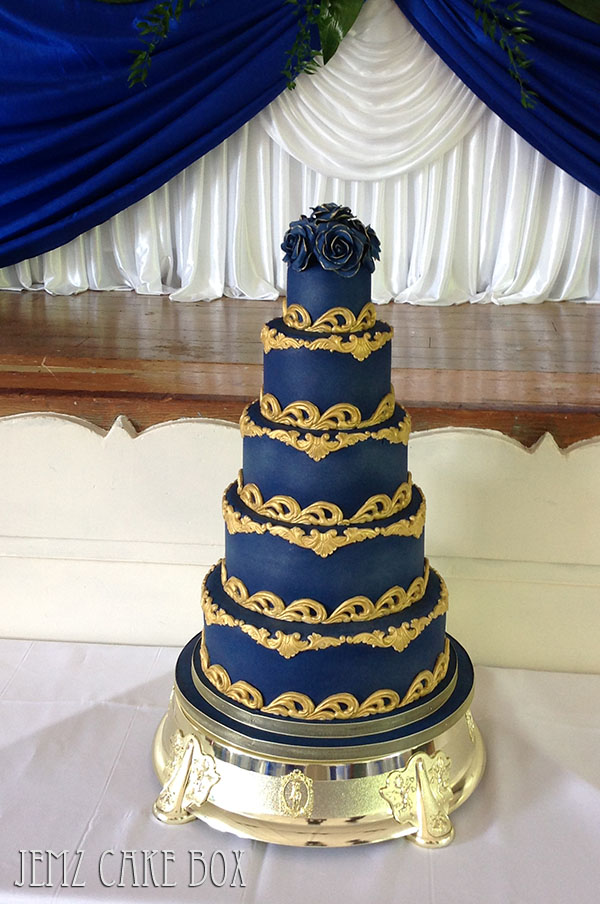 white gold and royal blue wedding cake 5 tier blue and gold baroque wedding cake from 163 695 jemz 27292